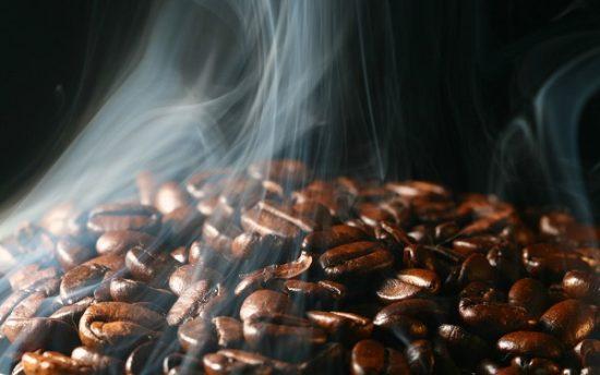 Trung bình cà phê sẽ đốt cháy khoảng 100-200 calo/ngày.
